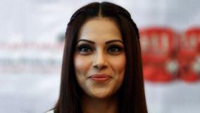 Bipasha Basu At Jodi Breakers In Ahmadabad Smiling